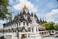 Chùa Ratchanaddaram – Điểm du lịch Thái Lan nổi tiếng