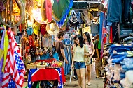 Khám phá cuộc sống Thái Lan qua những khu chợ đêm