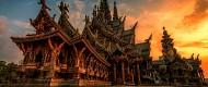 Sanctuary of Truth lâu đài bằng gỗ không có đinh ở Pattaya Thái Lan