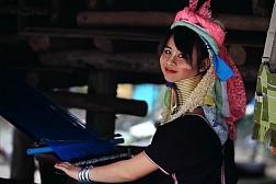 Du Lịch Thái Lan - Ngôi làng cổ dài độc đáo bậc nhất thế giới