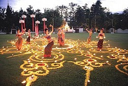 Ngày hội cày bừa và lễ hội pháo thăng thiên ở Thái Lan