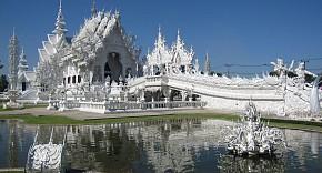 Lạc vào cõi âm khi đến đền Wat Rong Khun ở Thái Lan.