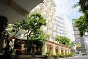 Golden Beach Hotel cách năm phút từ biển Pattaya