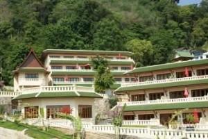 Prince Edouard Resort Tọa lạc ở vị trí đẹp của Patong