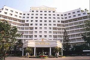 Khách sạn Royal Palace Hotel