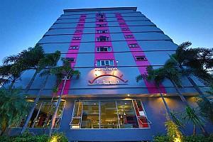 Sunshine Vista Hotel tọa lạc tại vị trí lí tưởng ở Đường Biển Pattaya