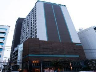 Bangkok City Hotel nằm trong khu lân cận với các địa điểm tham quan nổi tiếng của thành phố