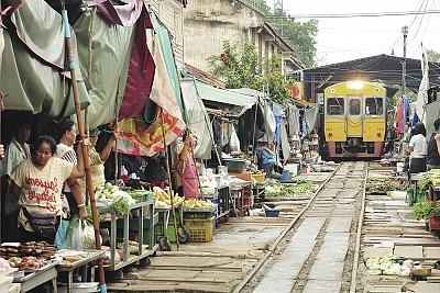 Chưa đến 4 khu chợ này thì coi như chưa biết nhiều về Bangkok