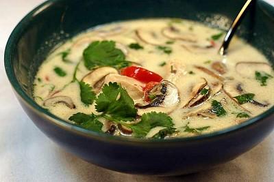 Ẩm Thực Thái Lan - Món Tom Kha Kai