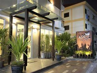 April Suites Pattaya cách trung tâm thành phố 1 km