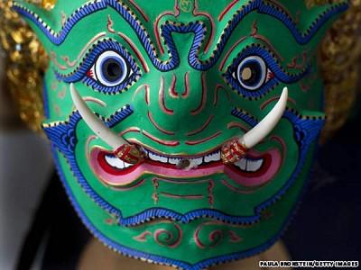 Độc đáo chiếc mặt nạ khon của Thái Lan