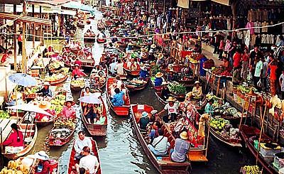 Du ngoạn chợ nổi trên sông nước Thái Lan.