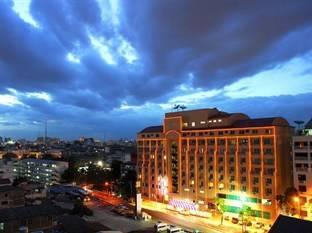 Hip Hotel Tại Bangkok