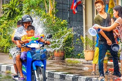 Lễ hội té nước Thái Lan 2019 có gì đặc sắc?