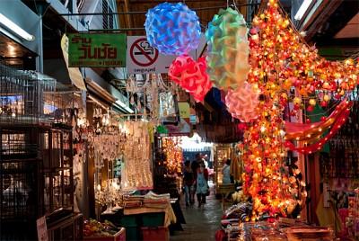 Mua sắm mệt nghỉ ở chợ ngoài trời Bangkok