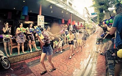 Dự tết Songkran Thái Lan với giá rẻ chưa từng có