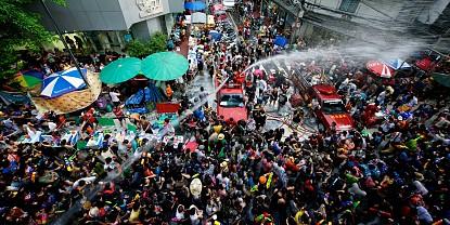 Lễ Hội Té nước đặc sắc của người dân Thái Lan
