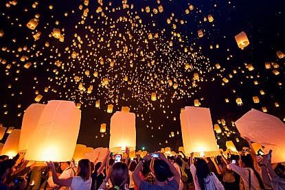 Tham dự lễ hội thả đèn trời hoành tráng nhất tại Chiang Mai Thái Lan