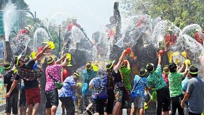Vui chơi trọn vẹn lễ hội truyền thống tại Thái Lan.