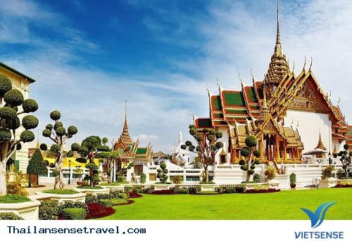 Những điều có thể làm bạn mất mặt khi đến Thái Lan - Ảnh 1