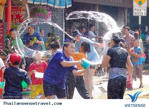 Những điều có thể làm bạn mất mặt khi đến Thái Lan - Ảnh 2