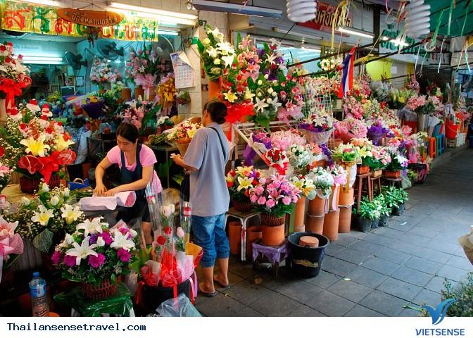 at_kham-pha-khu-cho-hoa-pak-klong-talad-lon-nhat-bangkok-thai-lan_a17c0a7a5a2e3a82e25312c8fea72438.jpg