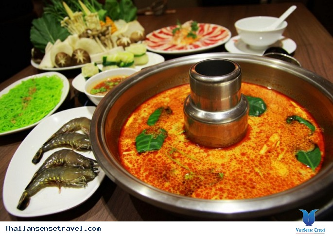 Thử thách ăn món siêu cay trên đất Thái