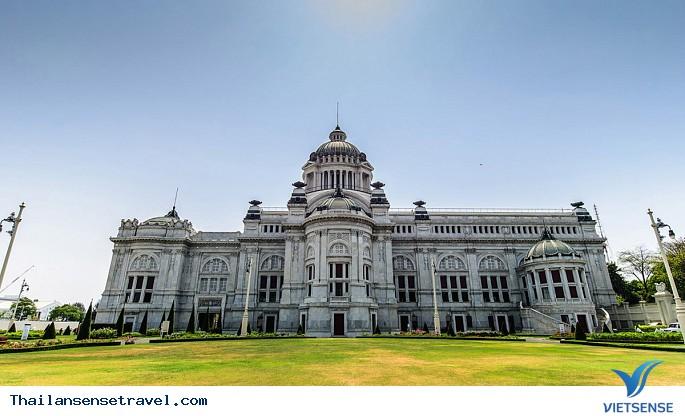 Ghé thăm cung điện trắng ở Thái Lan - Ảnh 2