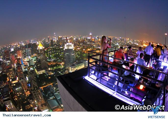 Ăn tối và ngắm cảnh từ Vertigo và Moon Bar Rooftop Dinner