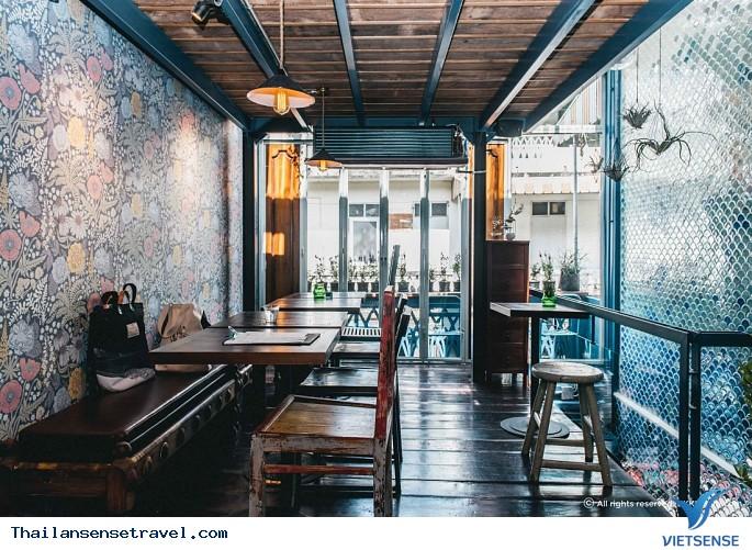 Quán cafe màu xanh nước biển độc đáo ở Bangkok - Ảnh 1