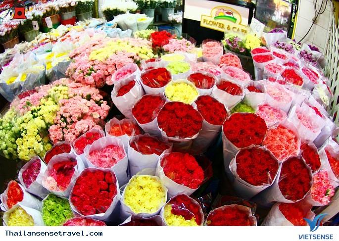 Thăm chợ hoa lớn nhất Bangkok - Ảnh 1