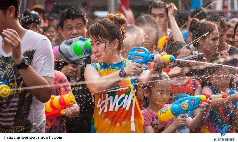 """Bí kíp """"hứng trọn"""" may mắn với lễ hội té nước – Thái Lan - Ảnh 1"""