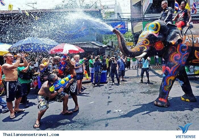 Ý nghĩa sâu xa của lễ hội té nước - Ảnh 4