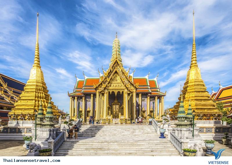 Hoàngcung (tiếng Thái: Phra Borom Maha Ratcha Wang)