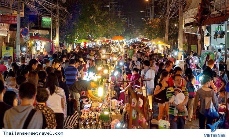 Chợ đêm Chiang Rai tại Thái Lan