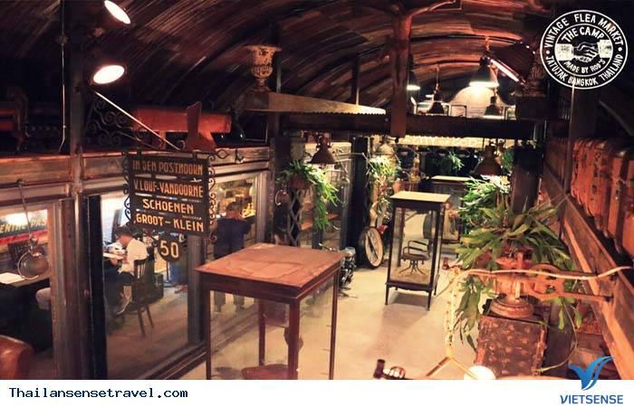 The camp vintage flea market- điểm sống ảo mới ở Bangkok - Ảnh 3