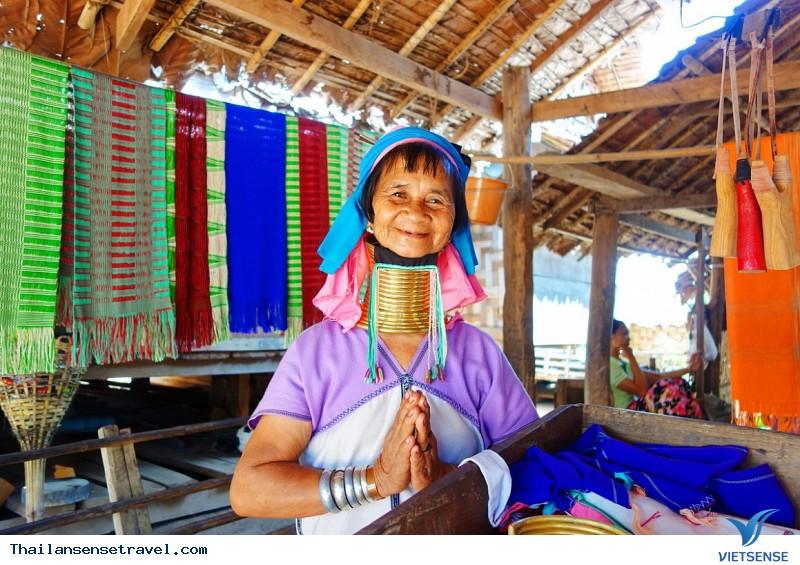 Khám phá ngôi làng cổ dài Huay Pu Keng ở Thái Lan, 2018 - Ảnh 2