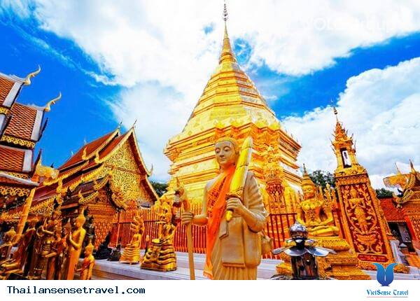 Tham quan Wat Phra That Doi Suthep