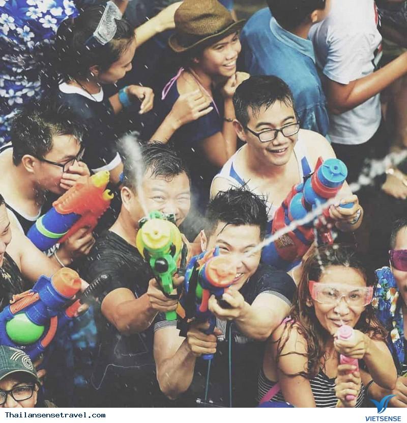 """""""Tất tần tật"""" về Lễ hội té nước Thái Lan - Ảnh 5"""