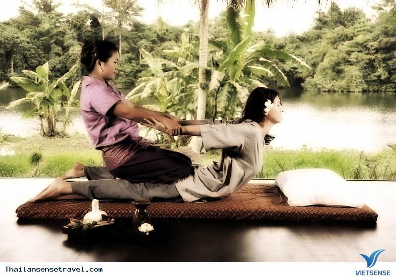 Đi massage kiểu Thái