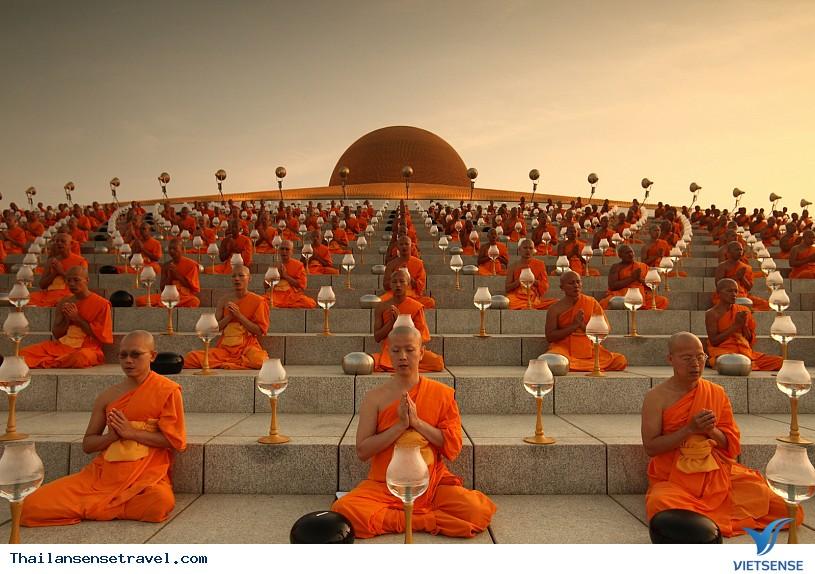 Viếng thăm ngôi chùa có nhiều tượng vàng nhất Thái Lan. - Ảnh 3