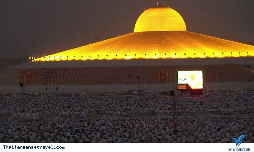 Viếng thăm ngôi chùa có nhiều tượng vàng nhất Thái Lan. - Ảnh 2