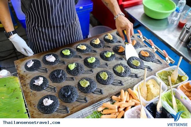 Bánh nướng than tre ngon quên sầu tại Thái Lan - Ảnh 1