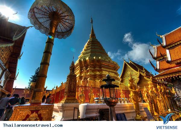 Thăm ngôi chùa vàng thiêng liêng ở Chiang Mai - Ảnh 1