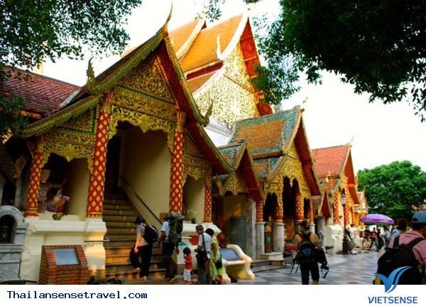 Thăm ngôi chùa vàng thiêng liêng ở Chiang Mai - Ảnh 2