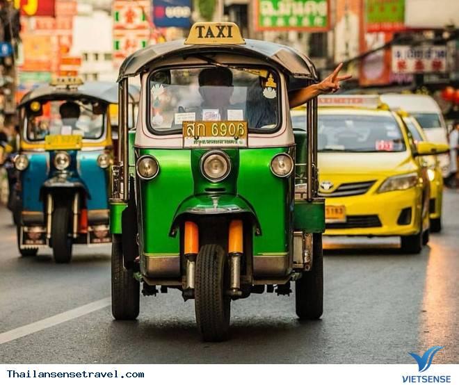 Du lịch ở Thái Lan nên đi taxi hay tuk tuk để giá rẻ hơn? - Ảnh 1