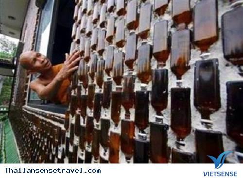 Du lịch Thái Lan: Ngắm ngôi chùa bằng vỏ chai độc đáo ở Thái Lan - Ảnh 2