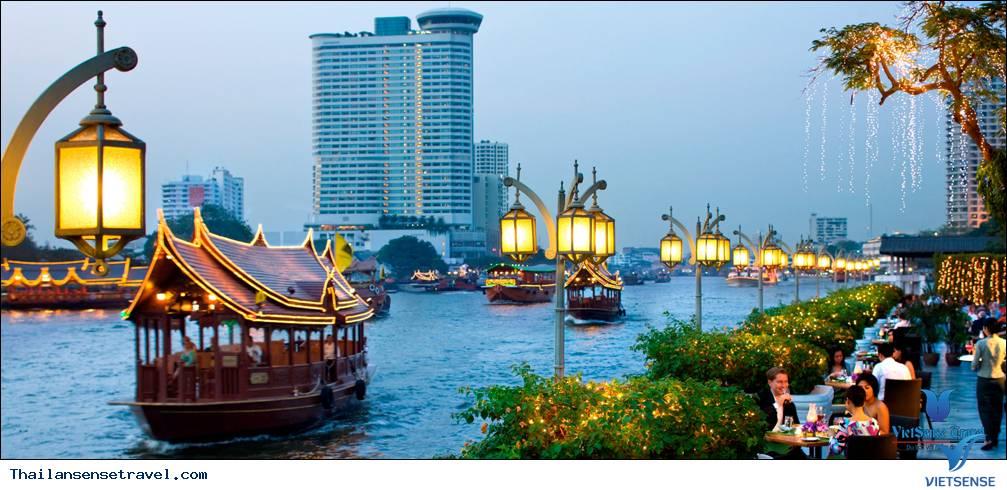 Đi thuyền ngắm sông Chao Phraya