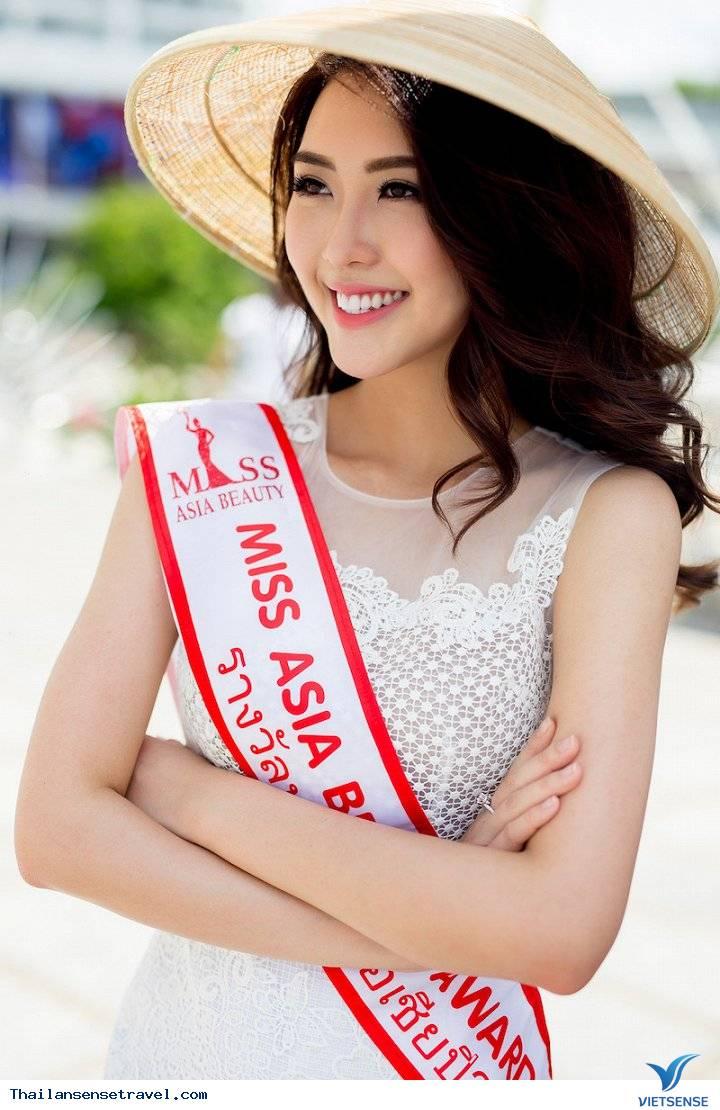 Hot Girl Tường Linh được trai đẹp Thái Lan dẫn đi tham quan Thái Lan - Ảnh 1