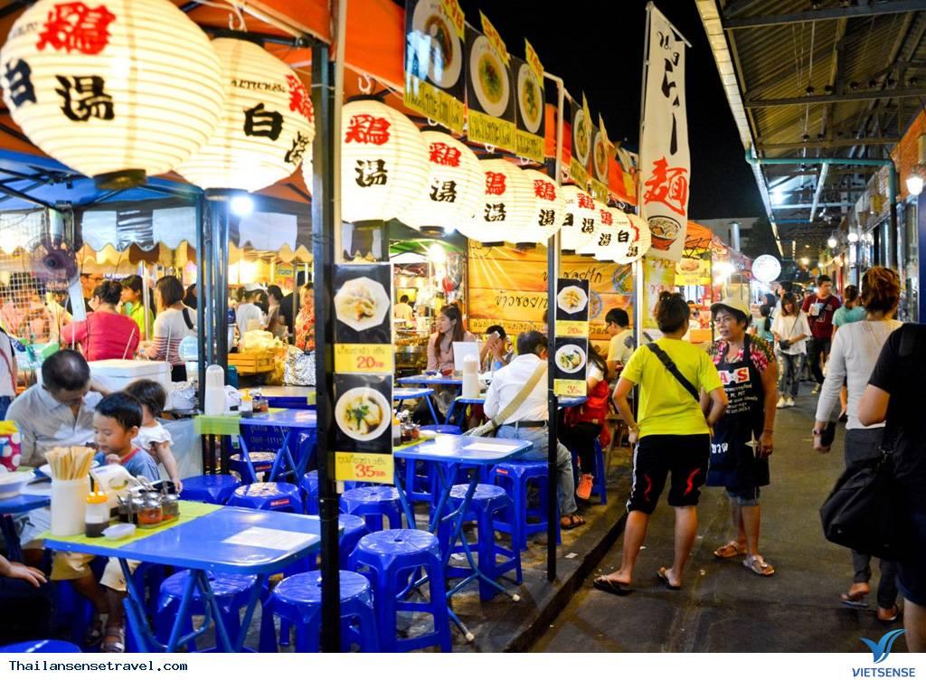 Khu chợ đêm Train Market hoàng tráng nhất nhì ở Bangkok - Ảnh 2